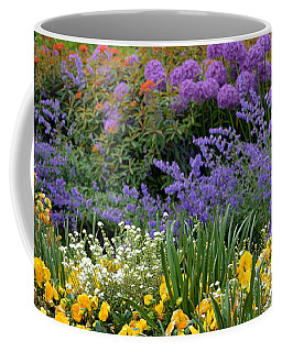Coffee Mug featuring the photograph Kungstradgarden by Terence Davis