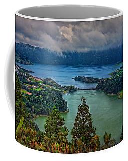 Lagoa Verde E Lagoa Azul Coffee Mug