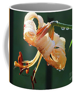 Lilly With Droplets Coffee Mug