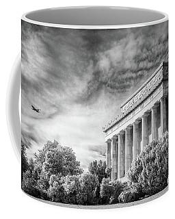 Lincoln Memorial Coffee Mug by Paul Seymour