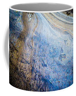 Liquid Oil On Water With Marble Wash Effects Coffee Mug