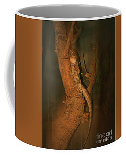Lizard On A Tree Trunk Coffee Mug