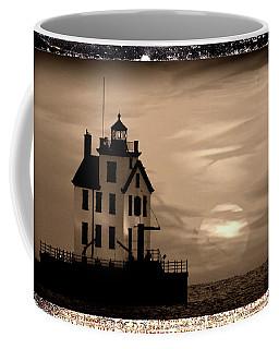 Lorain Lighthouse - Lake Erie - Lorain Ohio Coffee Mug