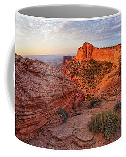 Mesa Arch Overlook At Dawn Coffee Mug