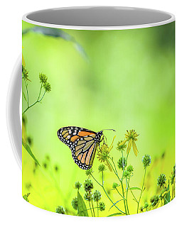 Coffee Mug featuring the photograph Monarch Butterfly by Lori Coleman