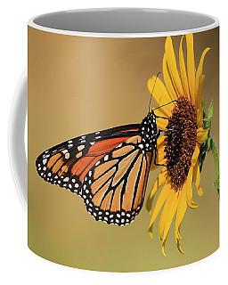 Monarch Butterfly On Sun Flower Coffee Mug