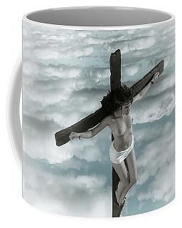 Mujer Crucificada En Tonos Descoloridos Coffee Mug