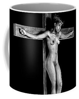 Mujer Crucificada Coffee Mug