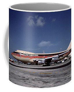 N17011, Continental Airlines, Boeing 747-143 Coffee Mug