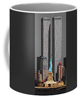 New York 911 Memory - Twin Towers And Statue Of Liberty Coffee Mug