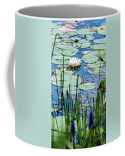 North American White Water Lily Coffee Mug