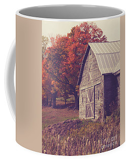 Old Barn In Vermont Coffee Mug by Edward Fielding