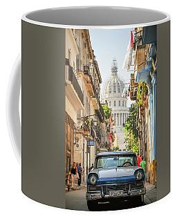 Old Car And El Capitolio Coffee Mug