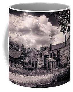 Old Farmhouse In Maine Coffee Mug