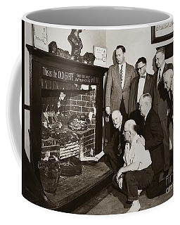 Old Grate That First Burned Anthracite Coal Successfully In The Old Fell House Wilkes Barre Pa Coffee Mug