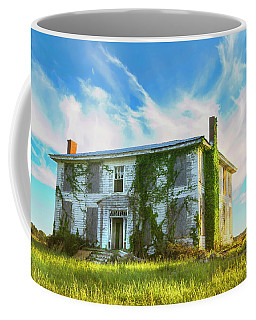 Coffee Mug featuring the photograph Old House In Isle Of Wight Virginia by Ola Allen