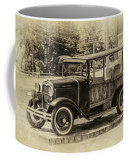 Old Jalopy In Wiscasset Coffee Mug