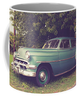 Old Vintage American Car Coffee Mug by Edward Fielding
