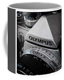 Coffee Mug featuring the photograph Om-1 - D010028b by Daniel Dempster
