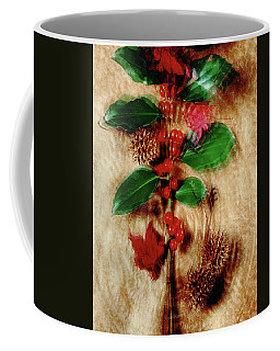 Red Holly Spinning Coffee Mug