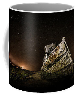 Coffee Mug featuring the photograph Reyes Shipwreck by Everet Regal