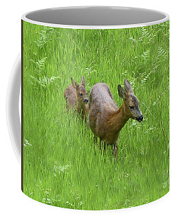 Coffee Mug featuring the photograph Roe Doe With Fawn by Phil Banks