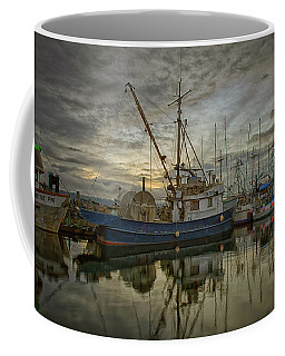 Coffee Mug featuring the photograph Royal Banker by Randy Hall