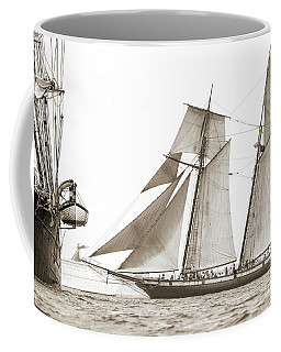 Schooner Lynx Full Sail Coffee Mug
