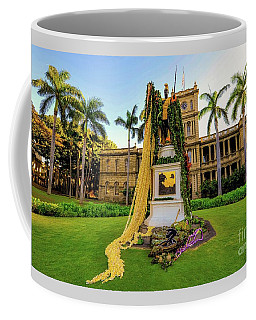 Coffee Mug featuring the photograph Statue Of, King Kamehameha The Great by D Davila