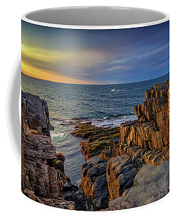 Coffee Mug featuring the photograph Steaming Past The Giant's Stairs by Rick Berk