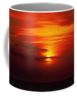 Coffee Mug featuring the photograph Sunset At Sea by Sue Melvin