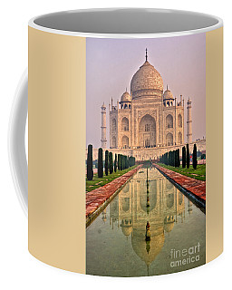 Taj Mahal At Sunrise Coffee Mug