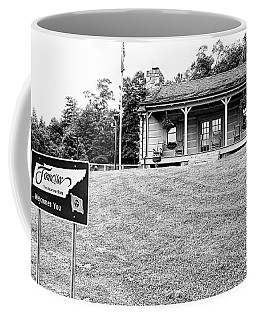 Tennessee Welcomes You Coffee Mug by Bob Pardue