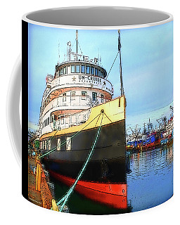 Tour Boat At Dock Coffee Mug by Tobeimean Peter