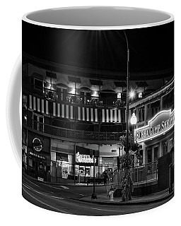 Traffic Light No 8 Gatlinburg In Black And White Coffee Mug