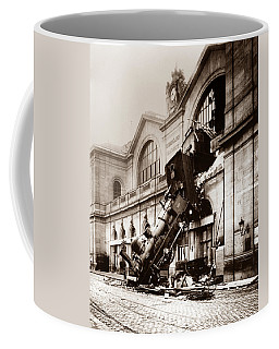 Train Derailment At Montparnasse Station - 1895 Coffee Mug