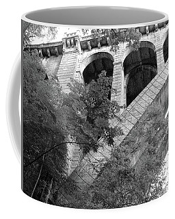 Coffee Mug featuring the photograph Under The Henry Avenue Brudge by Bill Cannon