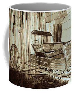 Vintage Carriage Coffee Mug by Ray Shrewsberry