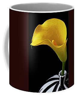 Yellow Calla Lily In Black And White Vase Coffee Mug