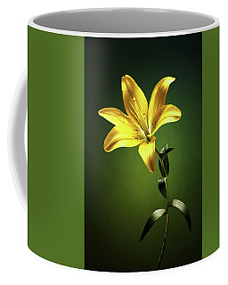 Yellow Lilly With Stem Coffee Mug