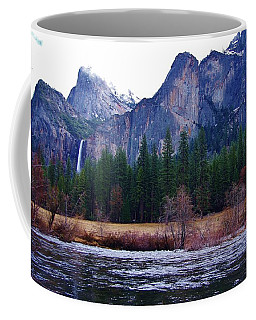 Coffee Mug featuring the photograph Yosemitie Valley by Phyllis Spoor