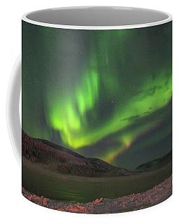 Coffee Mug featuring the photograph Yukon Northern Lights 4 by Phyllis Spoor