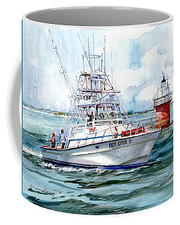 Andy Lynn II As She Passes The Bug Coffee Mug