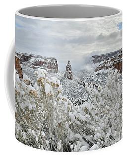 Beautiful Snow Morning Along Rim Rock Drive Coffee Mug