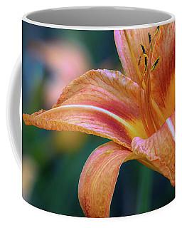 Orange Lily Detailed Petals Coffee Mug