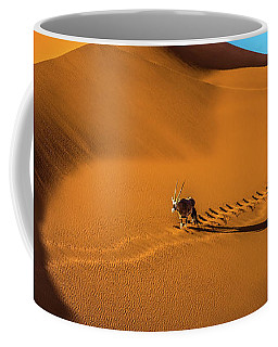 Oryx Crossing Big Daddy Dune, Sossusvlei, Namibia Coffee Mug