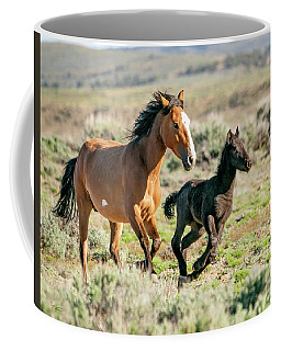 Running Wild Mustangs - Mom And Baby Coffee Mug