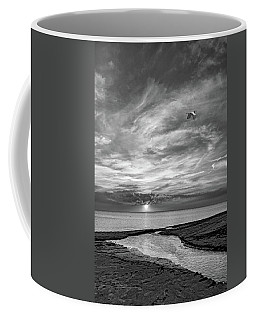Sauble Beach Sunset - Heading Home Bw Coffee Mug