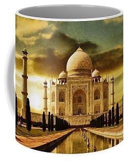 Taj Mahal In The Morning Coffee Mug