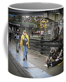 Walking-travellers Coffee Mug